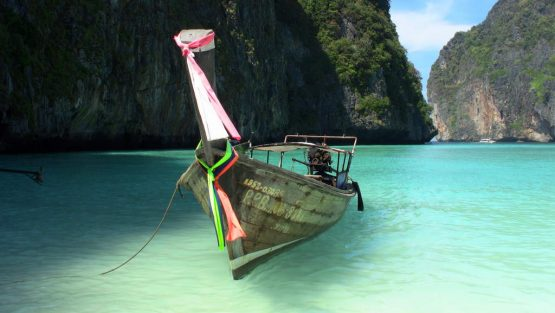 Longtail in Maya Bay, Phi Phi Ley