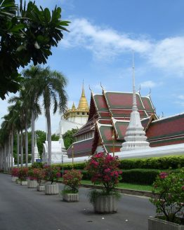 view of temple in bangkok