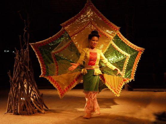 dance show chiang mai