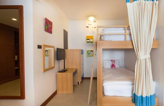 Double childrens bunk beds in family suite room